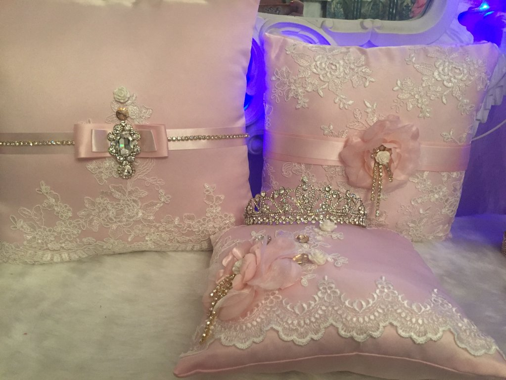 Quinceanera and Wedding Pillows And Money Box