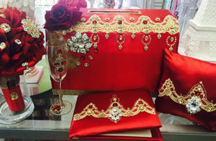 Beautiful Quinceañera Package, with Money Box and Bouquet plus more!!!