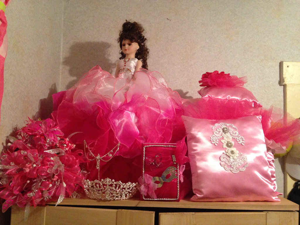 Quinceañera Package - Bouqet, Doll, Pillow and more